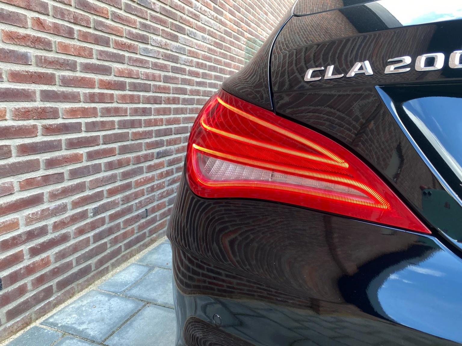 Mercedes-Benz-CLA-Klasse-34