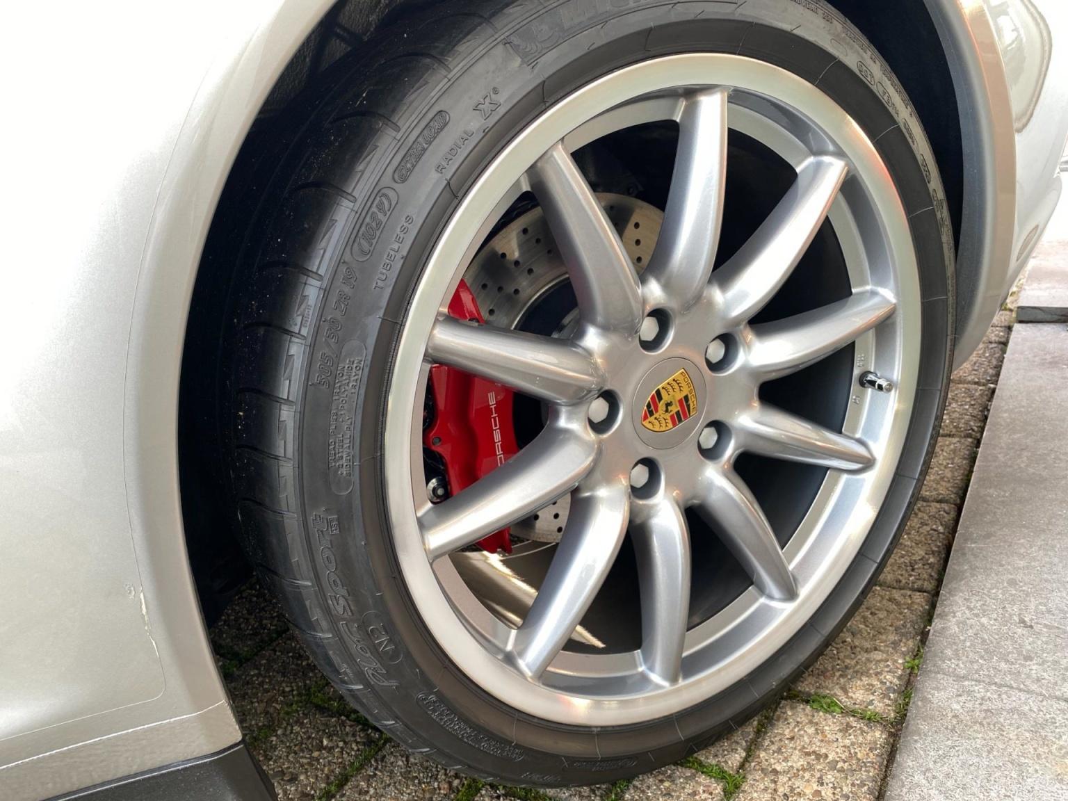 Porsche-911-43