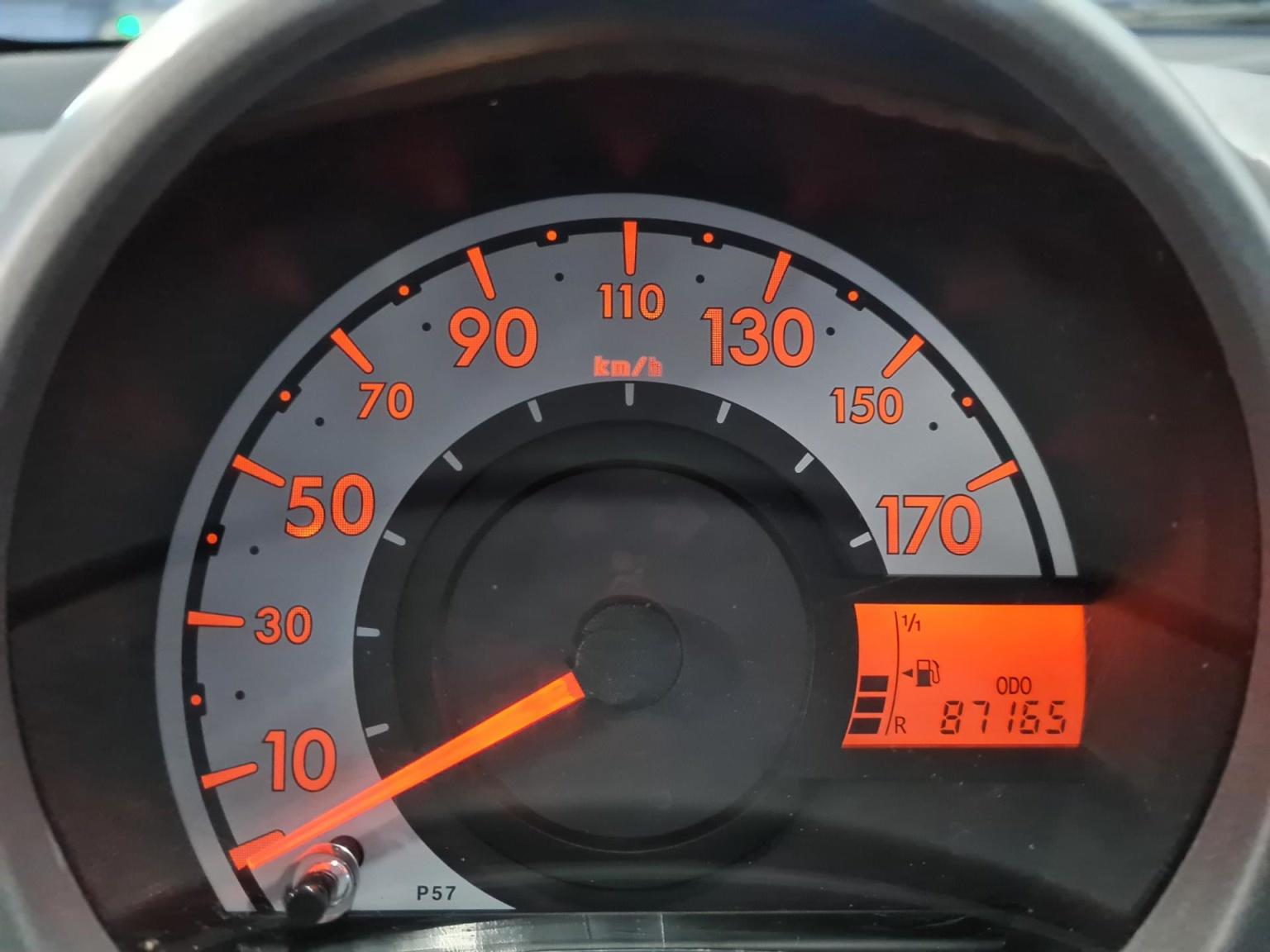 Peugeot-107-11