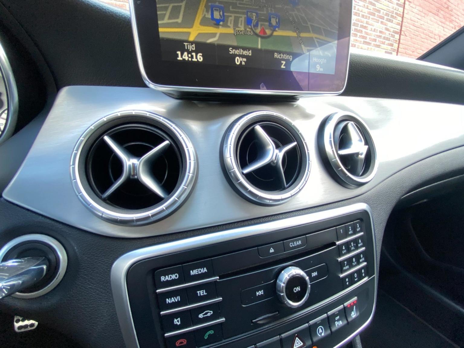 Mercedes-Benz-CLA-Klasse-36