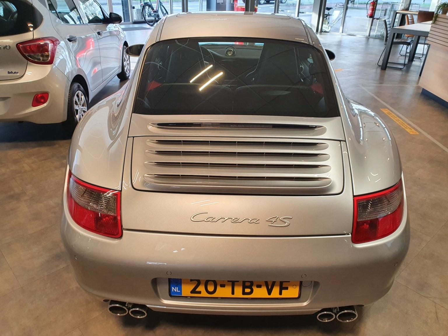 Porsche-911-10